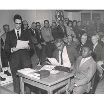 1963 Press Photo Crowded court room host discrimination hearing - spa72397