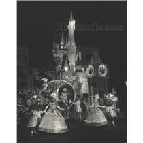 1981 Press Photo Florida-Cinderella and court at Main Street Electrical parade