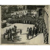 1925 Press Photo New York Crowds at City Hall greet Capt Grening NYC - neny23888
