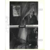 1990 Press Photo J.B. Martin Middle School - Shane Hansen, Asbestos Abatement