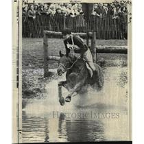 1971 Press Photo Princess Anne Takes Water Jump at Horse Trials in Badminton