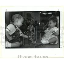 1993 Press Photo Patrick Bealer & Amy Clausen at Mother to Mother Support Group