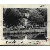 1976 Press Photo Picnic Held Next to Audubon Park Lagoon - noa23236