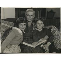1932 Press Photo Actor Von Eltz's Wife,Peggy Prior Von Eltz- March and children