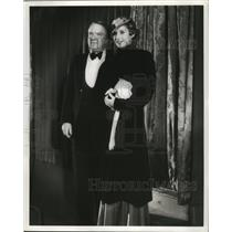 """1933 Press Photo W.C. Fields and Marion Ladd at Film Premier of """"Roman Scandals"""""""