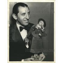 1933 Press Photo Abe Lyman with Peg O My Heart Marion Davies Doll - sbx03217