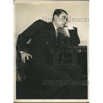 1929 Press Photo actor Victor McLaglen in court to fight to right to fly