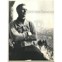 1933 Press Photo Walter Huston at his Ranch in Hollywood, California - sbx03305