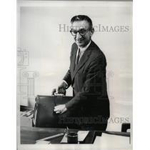 1964 Press Photo Leon Shull National Director ADA - RRW57319