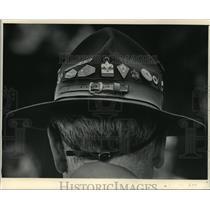 1985 Press Photo Scoutmaster of Troop 15 George Mann in North Prairie