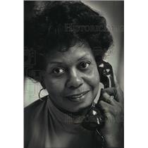 1988 Press Photo Mary Ballard, residents liaison, Parklawn, Milwaukee, Wisconsin