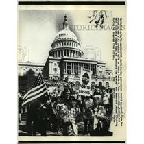 1976 Press Photo Anti-busing protestors at the steps of the U.S. Capitol