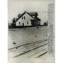 1933 Press Photo South Dakota Farm that was Deserted During the Dust Bowl