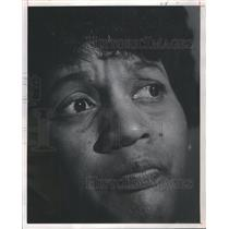 1970 Press Photo Mrs Medgar Evers,pondering integration- RSA26243