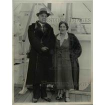 1933 Press Photo Henry Laraque & Wife Aboard SS Paris in New York City