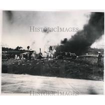 1950 Press Photo Navy Neptune Bomber Crashes in Quonset Point, Rhode Island
