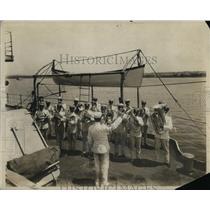 1915 Press Photo US Navy band on a ship at a ceremony - nem36420
