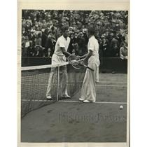 1921 Press Photo Frank Shields Shakes hands with Fred Perry at Davis Cup match