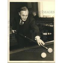 1935 Press Photo Edward Everett Spitz Billiard Expert of Brooklyn, New York