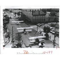 1982 Press Photo 4 Antique Planes Rolled Toward Jannus- RSA31235