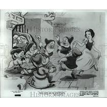 1967 Press Photo A scene from Snow White and the Seven Dwarfs. - spp15396
