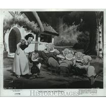 1967 Press Photo A scene from Snow White and the Seven Dwarfs. - spp15413