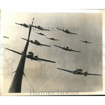 1939 Press Photo Squadron of Britain Anson Avro Bombing Planes during rehearsal