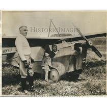 1930 Press Photo Gov. Walter J. Kohler of Wisconsin inspect a baby Plane