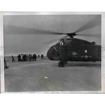1959 Press Photo Navy Helicopter Prepares to Take Off to Help in Search