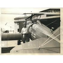 1930 Press Photo Zensaku Azuma completes his planes for flight to Japan