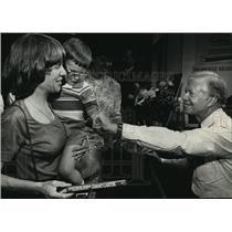 1988 Press Photo Jimmy Carter, Cathy & Charles Bauer at Harry Schwartz Bookshop