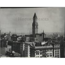 1929 Press Photo Naval Dirigible Los Angeles Visits Custom House Tower Boston