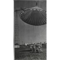1940 Press Photo Parachutes