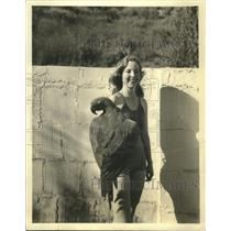 1931 Press Photo Gladys Ford,Screen Player in Aviary at Catalina Island.