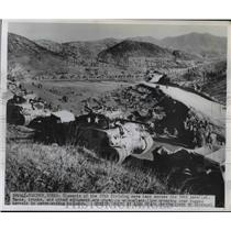 1950 Press Photo 25th Division tanks move across 38th parallel in Korea