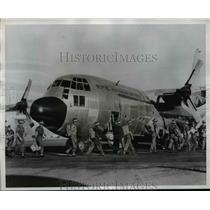 1960 Press Photo Royal Australian Air Force airlifts to Port Vila in New Hebride