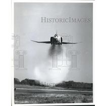 1973 Press Photo USAF Thunderbird jet during maneuver - sbx05410