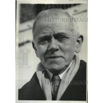 1930 Press Photo Actor David Warfield is operated on twice by doctors