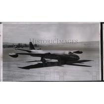 1955 Press Photo The British Royal twin engine air force Canberra sits in Alaska