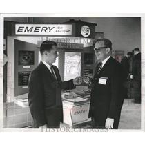1963 Press Photo Emery Air Freight Corp. Gives Keys to George Brown in Milwaukee