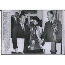 1964 Press Photo Winners of Harmon International aviation trophies in White Hous