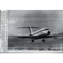 1966 Press Photo Airlines DC9 twin-jet, similar to one reported missing.