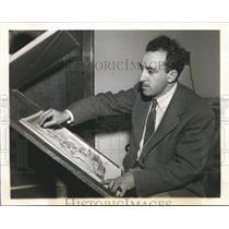 1941 Press Photo Pulitzer Prize Winner Jacob Burck Drawing Cartoon - mjb08833