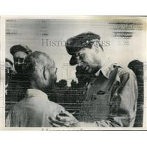 1950 Press Photo Gen MacArthur & Korean Minister Song Mo During Korean War