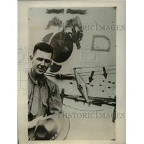 1930 Press Photo Lt Lamson Scribner Beside Plane With Multiple Bullet Holes