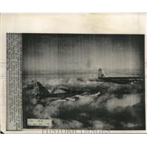 1957 Press Photo B-52 Stratofortress refueled in air during flight - sba02282