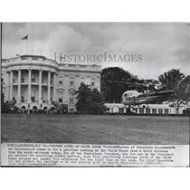1957 Press Photo President Eisenhower's new Helicopter lands on White House Lawn
