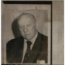 1975 Press Photo Bob Cosidine New York News Columnist - RRX28659
