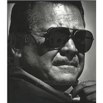 1981 Press Photo Seattle Seahawks coach Jack Patera in sunglasses - sps15732