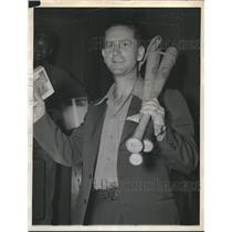1941 Press Photo St. Louis Browns' Raymond 'Rip' Radcliff sold to the Tigers